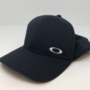 Oakley Golf Perforated Hat
